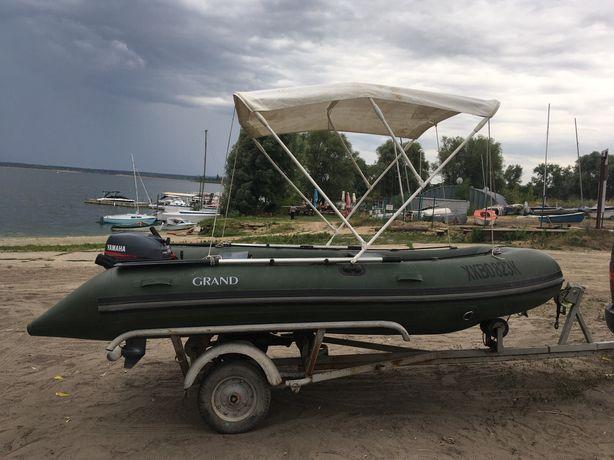 Лодка ПВХ Grand с мотором Yamaha 15л.с. и прицепом