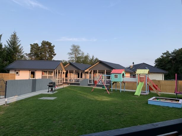 """Pastelowe - Borne"" - nowe, drewniane domki z basenem"