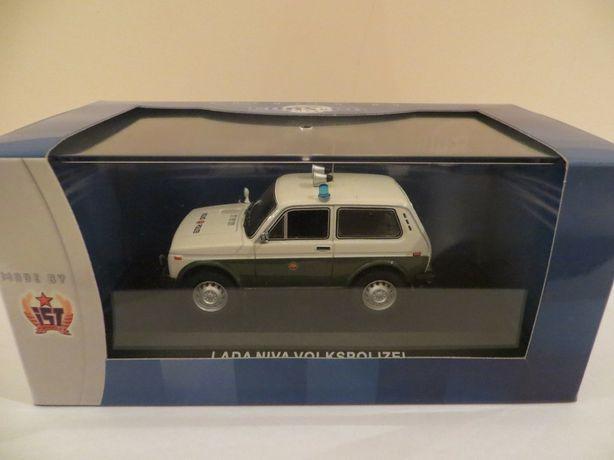 Модель  ЛАДА ВАЗ 2121 НИВА / LADA NIVA Volkspolizei - IST/Cars&Co