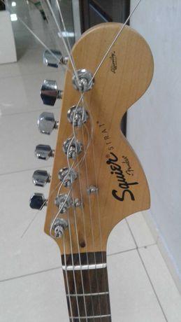 Продам электрогитару Fender Squier Affinity Stratocaster. Все работает