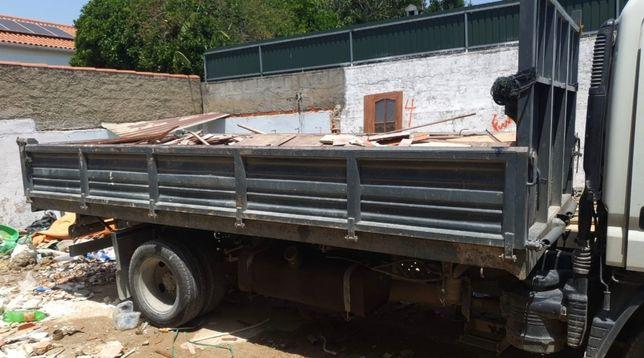Alugamos contentores para todas as dimensões para transportar resíduos