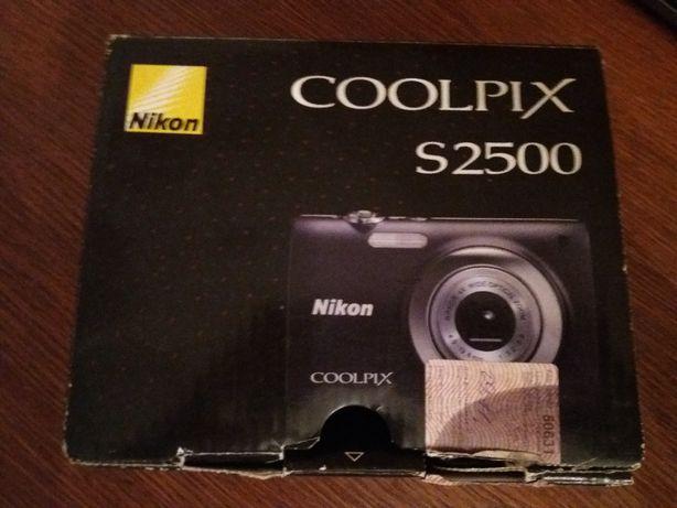 Nikon S2500