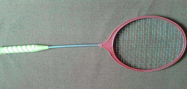 Rakietka do badmintona szt.1.Paletka z metalowym uchwytem.