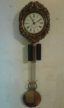 Stary zegar wiszący
