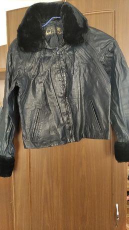 Новая кожаная подростковая куртка для девочки 150 грн 42-44р.