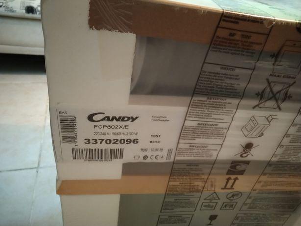 Forno de encastre Candy novo