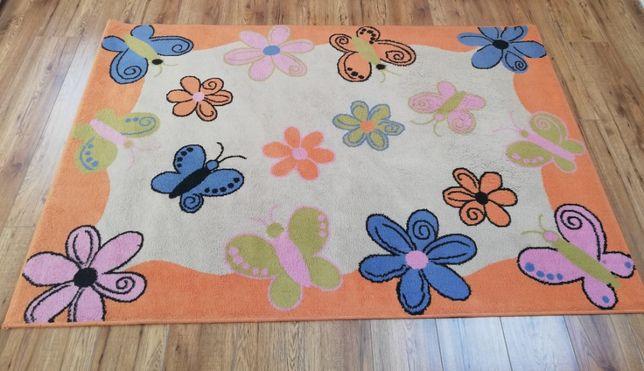 Dywan dziecięcy dla dziewczynki motyle kwiatki 130x190