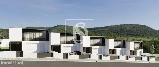 Moradia de 2 pisos em Braga