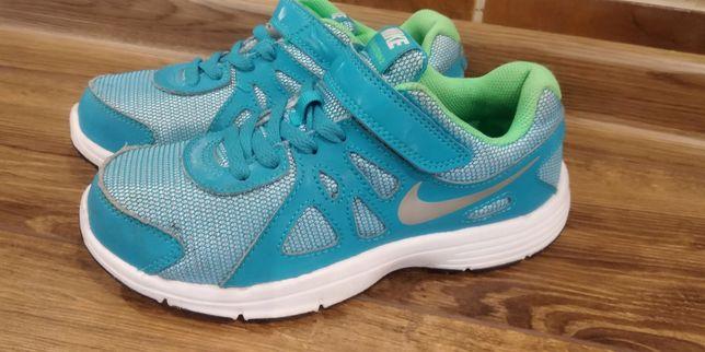 Продам дитячі кросівки Nike 33.5 розмір