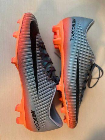 Бутси Nike футбольні