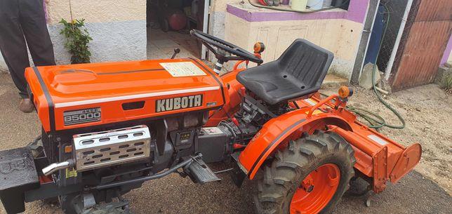 trator kubota B5000
