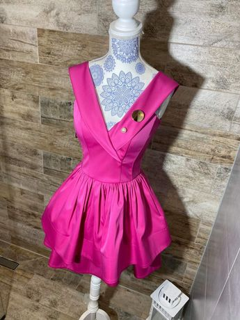 Różowa balowa sukienka Motive&More