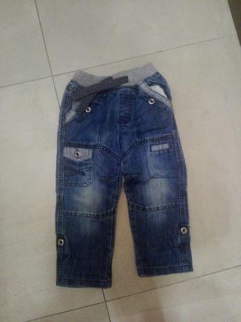 Sprzedam jeansy i sweterki chłopięce na 3-4 latka