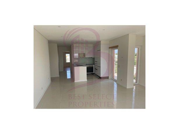 Apartamento T1 , com piscina, garagem, para venda em Arma...