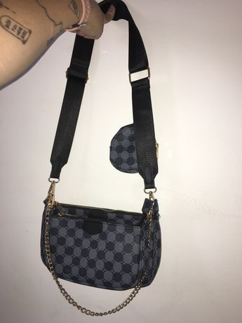 Mala de ombro preta com 3 bolsas