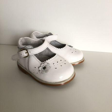 Туфельки взуття для дівчинки