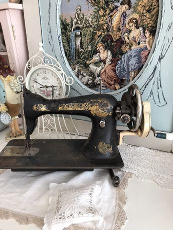 Машинка швейная,раритет,зингер,подолянка,антиквариат