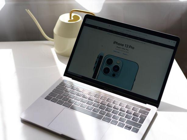 MacBook Pro 16GB RAM, Touch Bar, como novo, com garantia