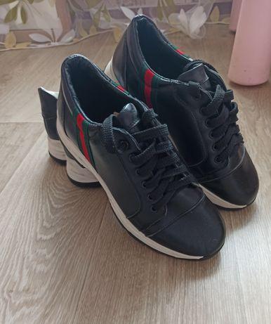 Кожаные кроссовки(не  Zara, Puma, Adidas)