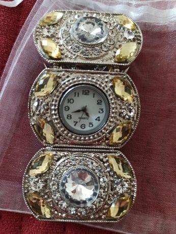 Sprzedam zegarek-bransoletka