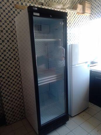 Armário frigorífico vertical