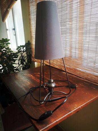 Candeeiro de mesa requinte moderno