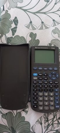 Calculadora Texas TI-82 com  defeito