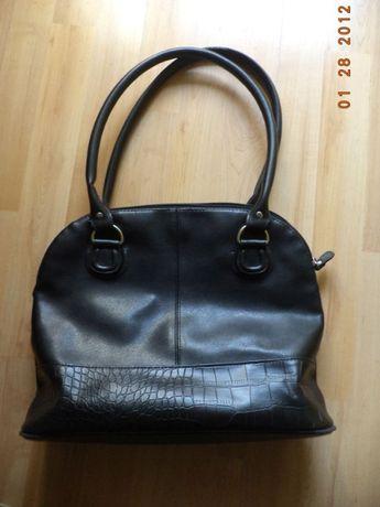 Ładna nowa kasyczna torba z czrnej eko skóry, mieści A4