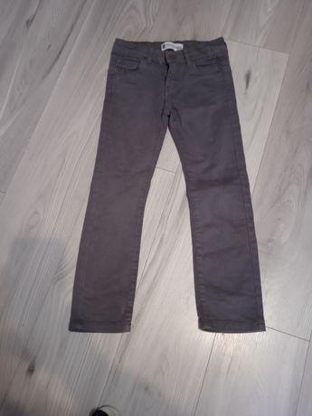 Spodnie dla chłopca 110/116
