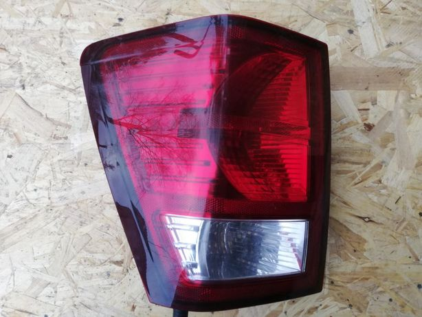 Lampa Jeep Grand Cherokee WK LEWA (08-10 r.)