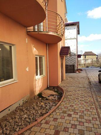 Продам новый коттедж в Ильичевке , черта города