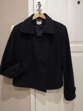 Czarna kurtka firmy Monnari rozm. 46