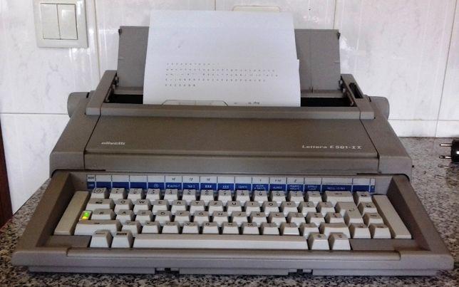 Maquina de escrever Olivetti