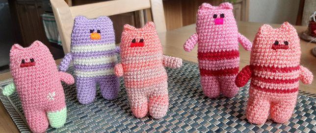 М'яка іграшка - котик, плетений гачком. Ручна робота.