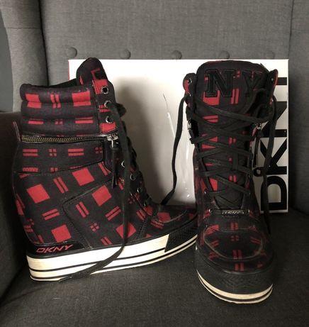 DKNY sneakersy w czerwono czarna kratke 38 koturn