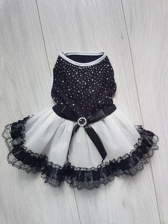 Bialo czarna z cyrkoniami sukieneczka dla pieska S