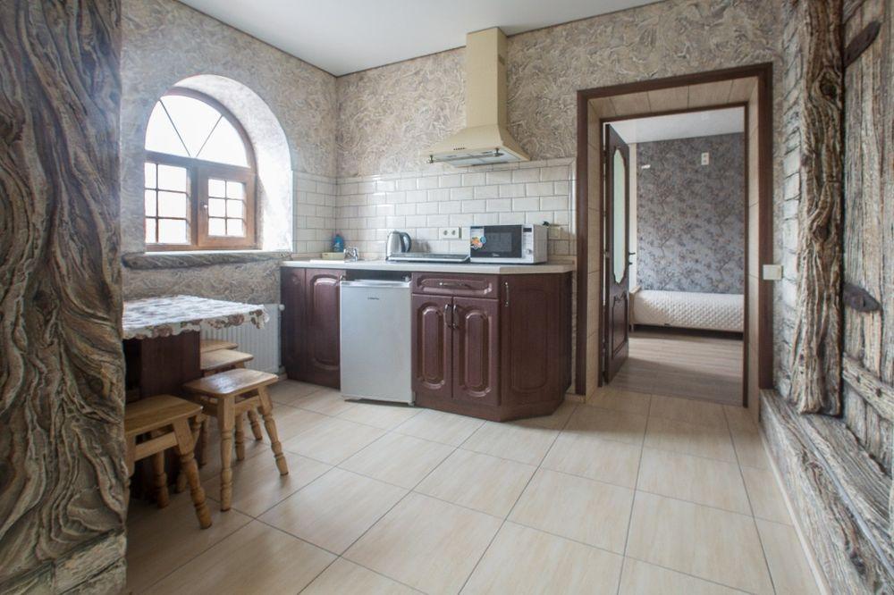 Сдам новую двухкомнатную квартиру в центре старого города-1