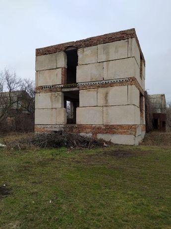 Продам незавершённое строение 2 этажа, 200 метров до лимана.