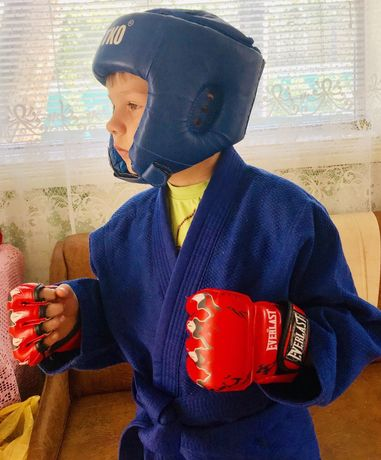 Шлем- перчатки для борьбы