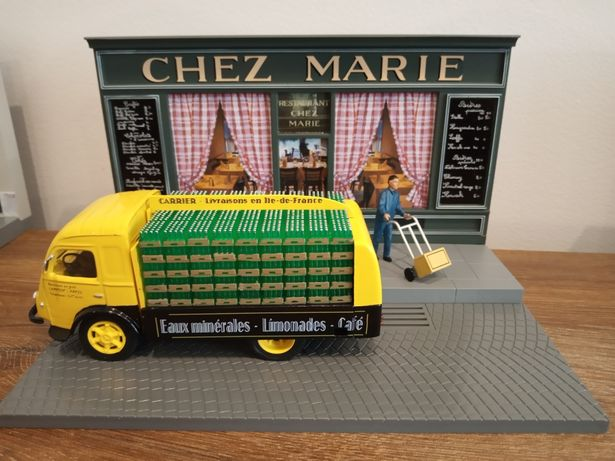 1:43 Renault Galion model+figurka+diorama