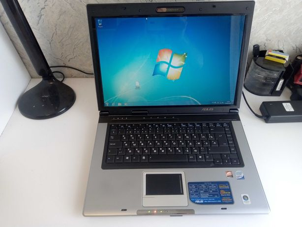 Ноутбук Ноутбук Asus X50SR в хорошем состоянии