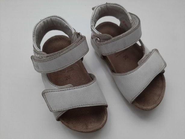 Sandalłki skórzane Emel r.20