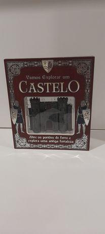 """Livro """"Vamos Explorar um Castelo"""""""