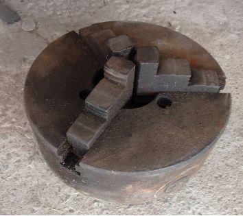 Продам токарный патрон трехкулачковый 250мм (СССР)