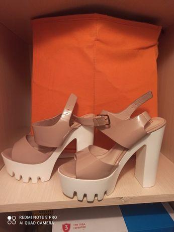 Продам туфли . Туфлі. Туфельки