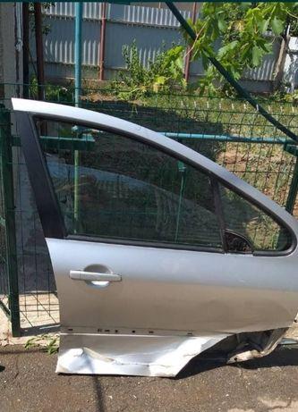 Две двери, зеркало Пежо 307, хетчбэк, передняя и задняя