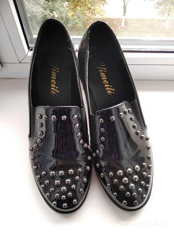 Продам туфли черные