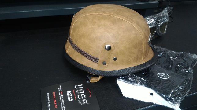 Capacete estilo antigo Nazi em pele