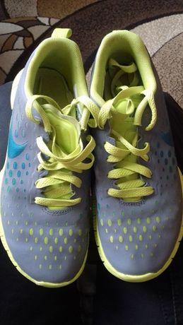 buty do biegania dziewczęce 36 Nike