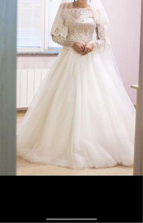 Свадебное платье!))